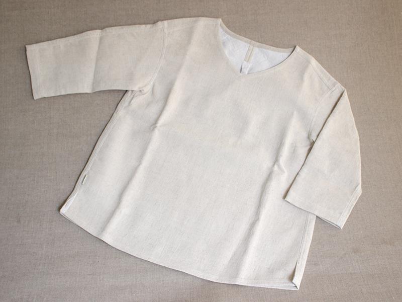 プルオーバーシャツ